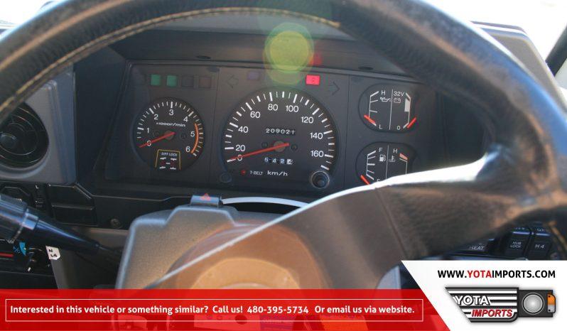 1992 Toyota Land Cruiser HZJ77 full